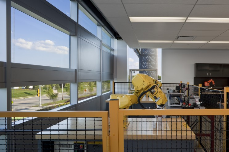 College of DuPage Technology Education Center 10487_e