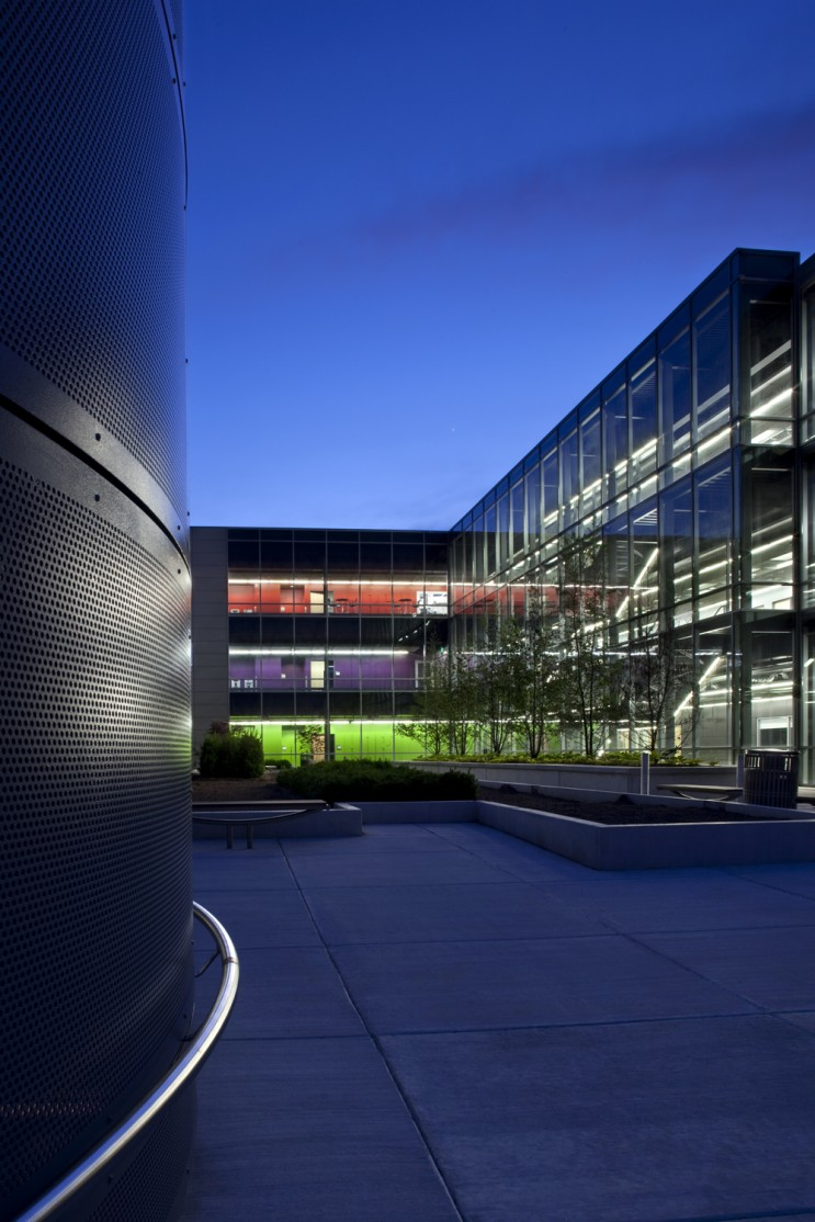 College of DuPage Technology Education Center 10487_v